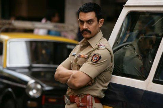 TALAASH Starring Bollywood megastar Aamir Khan Opens in Theaters on November 30   Trailer