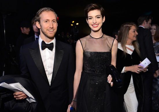 Daniel Day-Lewis, Anne Hathaway Among Winners of the 19th Annual Screen Actors Guild Awards