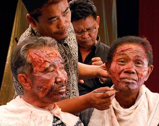 """Documentary """"THE ACT OF KILLING"""" Wins Top Jury and Audience Awards at International Madrid Documentary Festival"""