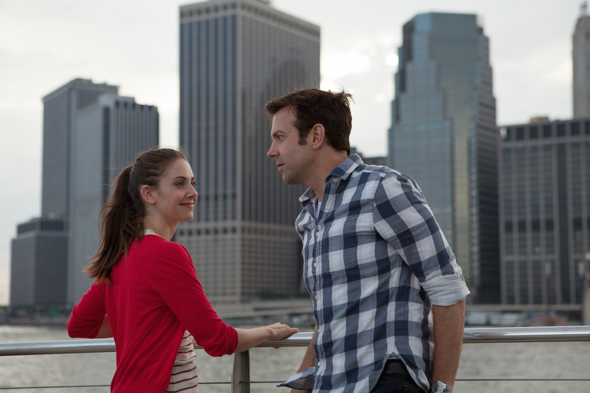 Jason Sudeikis, Alison Brie are Sex Addicts in Red Band Trailer for SLEEPING WITH OTHER PEOPLE