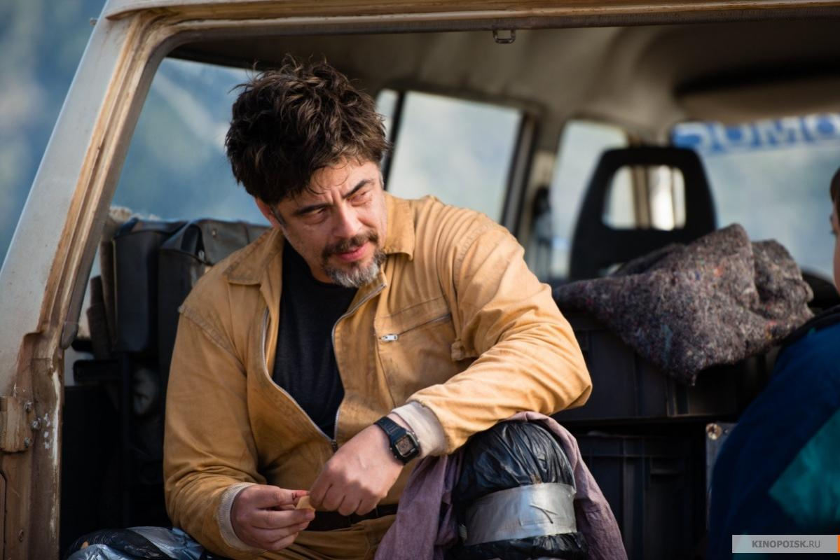 Benicio Del Toro in A Perfect Day