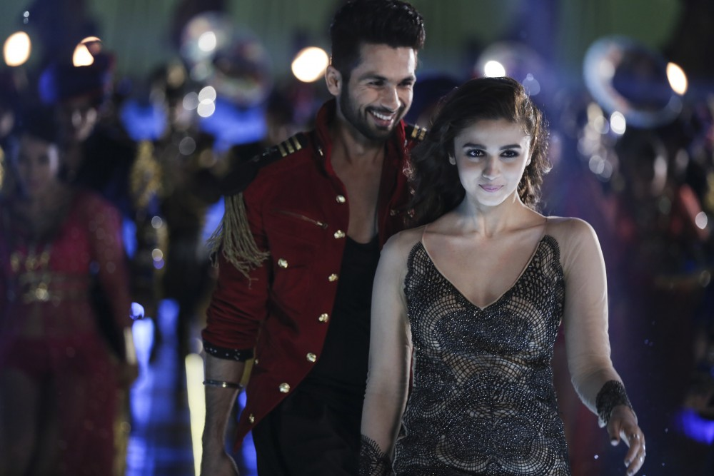 Bollywood Wedding Comedy SHAANDAAR Opens In Theaters Today, October 22nd | TRAILER