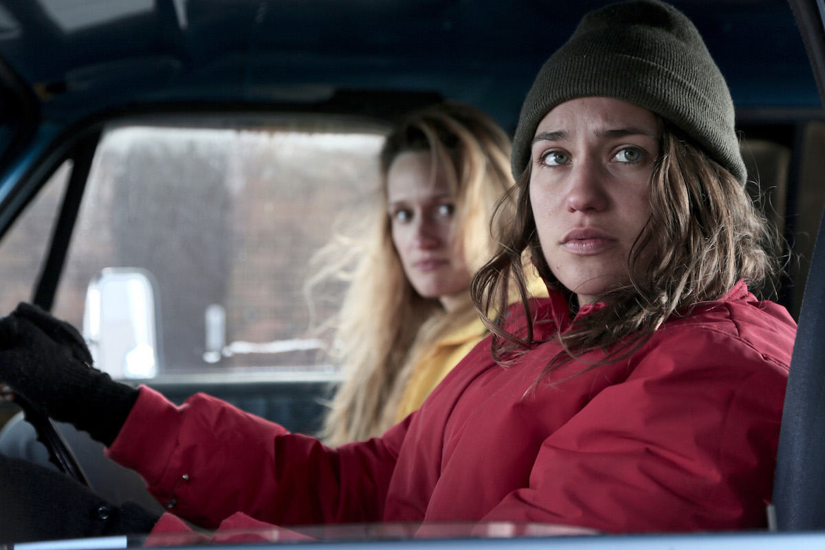 Lola Kirke as Joey and Breeda Wool as Rayna in AWOL.