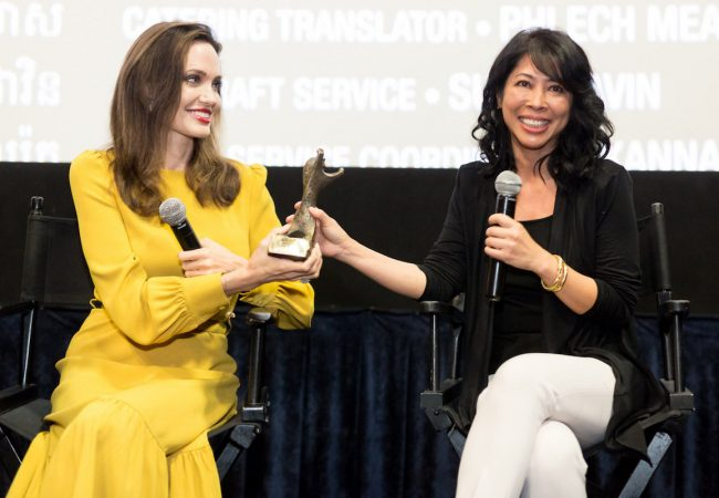 Angelina Jolie and Loung Ung Accept The 'Rising Star' Award at Asian World Film Festival
