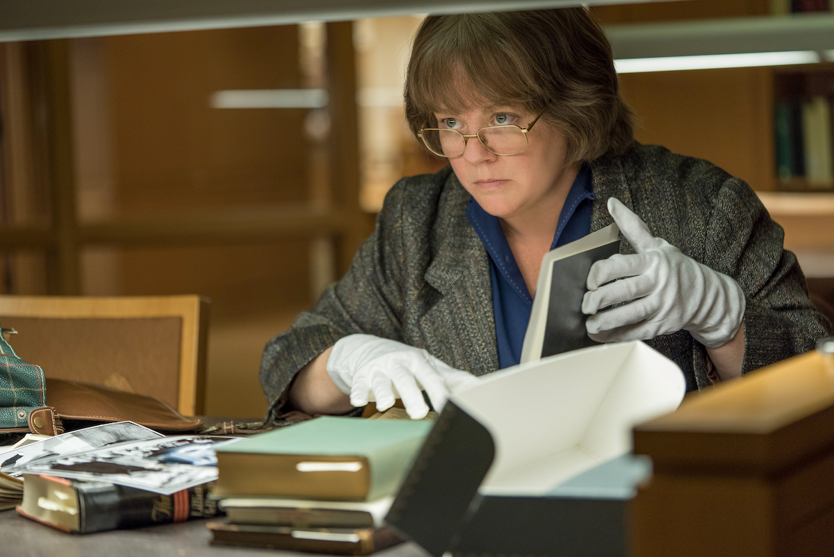 Melissa McCarthy in the film CAN YOU EVER FORGIVE ME? Photo by Mary Cybulski. © 2018 Twentieth Century Fox Film Corporation All Rights Reserved