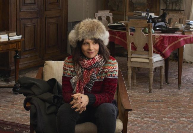Juliette Binoche in Doubles vies (Non-Fiction, 2018) by Olivier Assayas