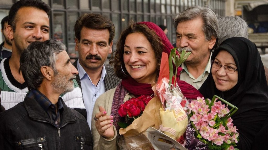 Best Documentary 2020.Iran Selects Documentary Finding Farideh For 2020 Oscar Race