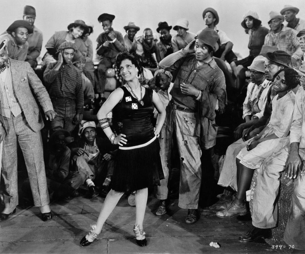 (Retrospektive 2020: King Vidor) Hallelujah - in the middle: Nina Mae McKinney, Daniel L. Haynes. 1929 Turner Entertainment Company. All Rights Reserved