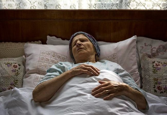Focus, Grandma (Koncentrisi se, baba) by Bosnian director Pjer Žalica