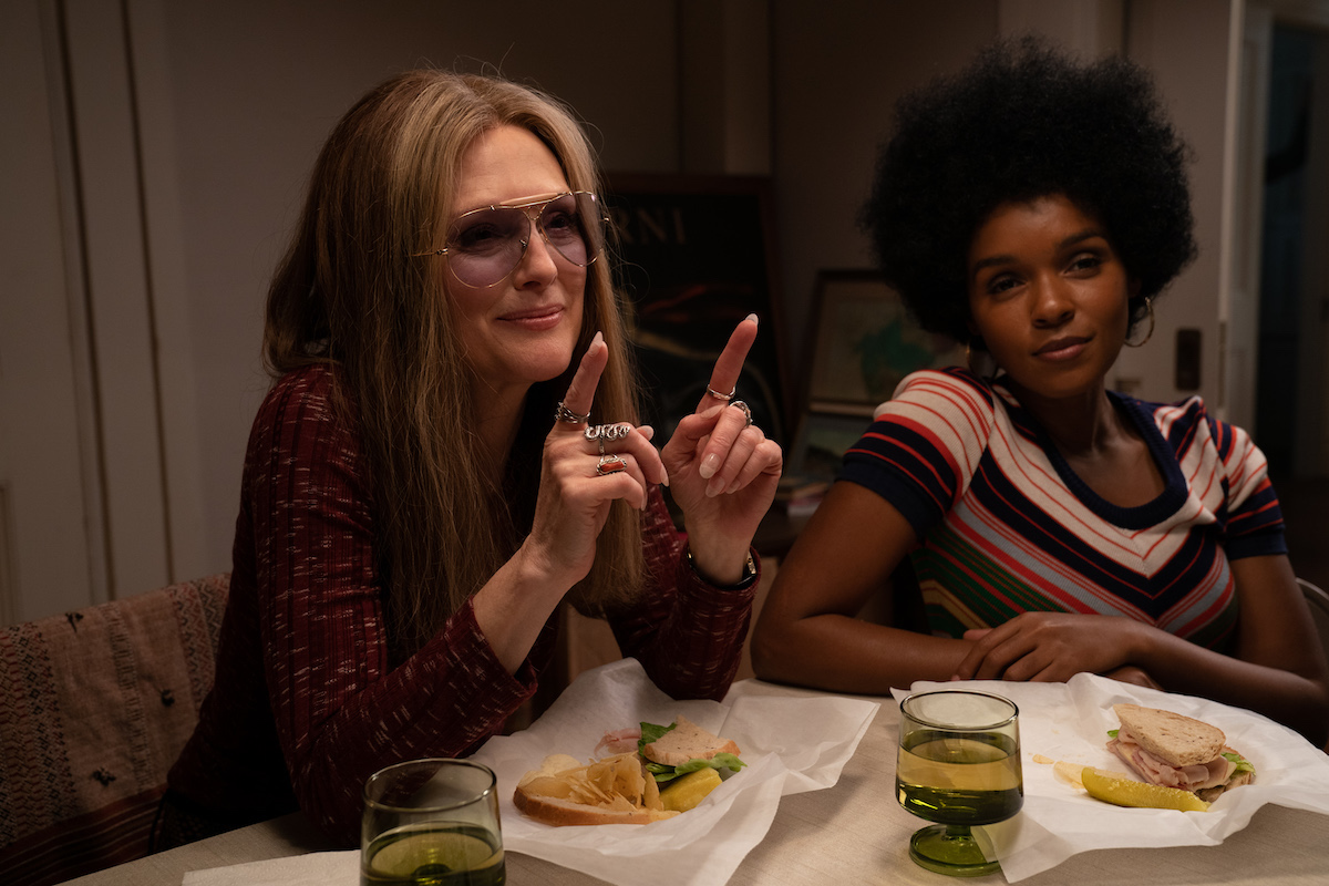 Julianne Moore and Janelle Monáe in THE GLORIAS
