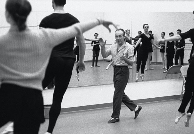 George Balanchine teaching at the New York State Theater in Lincoln Center (circa 1964). Photo: Martha Swope. As seen in In Balanchine's Classroom. A film by Connie Hochman. A Zeitgeist Films release in association with Kino Lorber.