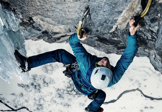 The Alpinist directed by Peter Mortimer and Nick Rosen