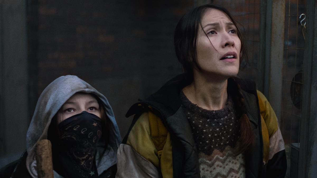 Waseese (Brooklyn Letexier-Hart) and Niska (Elle-Máijá Tailfeathers) in Night Raiders directed by Danis Goulet